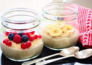 Overnight Oats berries and bananas_1